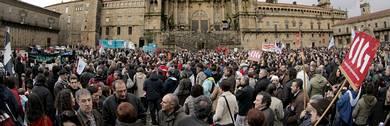 Milleiros de persoas concentradas no Obradoiro