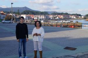 Os concelleiros do BNG Luís Pérez Barral, Pilar Sampedro Laranga no Porto de Palmeira. Ribeira